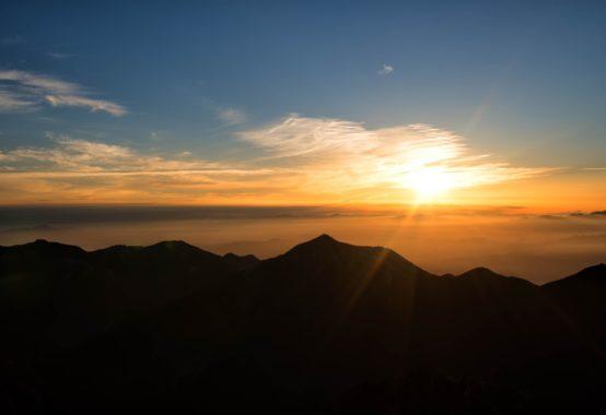 頂上からの朝焼け